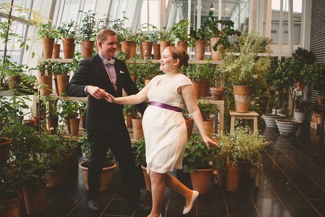 Vi kör en danspose på ett bröllopsfoto