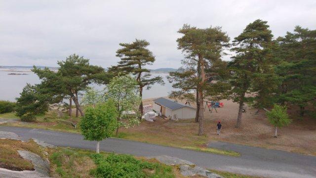 Tallar, strand, hav, lekplats