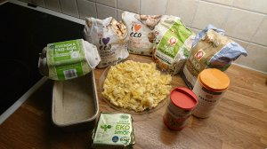 Ingredienserna till bananbrödet